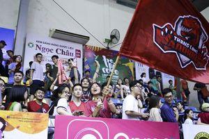 Chùm ảnh: 'Hiện tượng' Saigon Heat xảy chân tại nhà thi đấu Sư Phạm