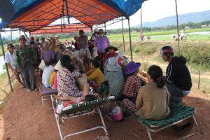 Bình Định: Lãnh đạo hẹn, dân tiếp tục giữ xe cán bộ yêu cầu đối thoại