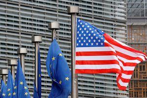 Trump bất ngờ so sánh 'EU có lẽ cũng tệ chẳng kém Trung Quốc'