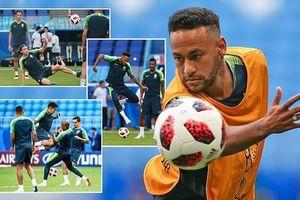 Neymar 'đảo ngói' lấy hên trước trận Brazil - Mexico