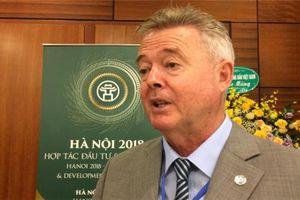 GS. Ray Gordon: Sinh viên Việt cần vượt ra khỏi vùng an toàn của mình