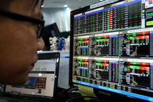 Chủ tịch UBCK: Nhiều nhà đầu tư đã cố bán cổ phiếu bằng mọi giá