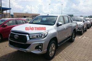 Giá lăn bánh Toyota Hilux mới, vừa nhập khẩu về Việt Nam