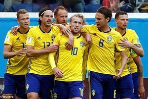'Thần may mắn' mỉm cười, Forsberg đưa Thụy Điển vào tứ kết