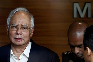 Malaysia bắt giữ cựu Thủ tướng Najib, cho ra tòa vào ngày mai