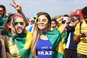 CĐV Brazil nói gì về Neymar?