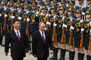 Quân đội Trung Quốc hứa cùng Nga 'xử lý ' các đe dọa và thách thức
