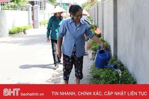 Nhà sạch, đường xanh nhờ bàn tay phụ nữ