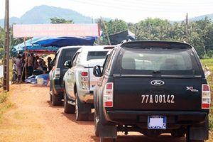 Người dân Bình Định trả 3 ôtô đoàn khảo sát dự án điện mặt trời