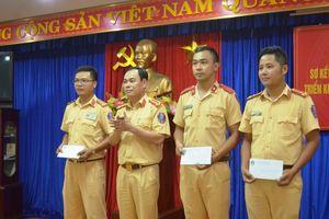 Hành động đẹp của 3 cán bộ, chiến sĩ CSGT Đà Nẵng