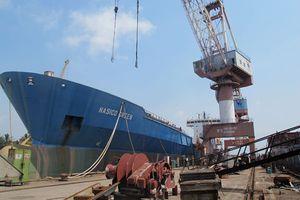Doanh nghiệp đóng tàu chật vật tái cơ cấu