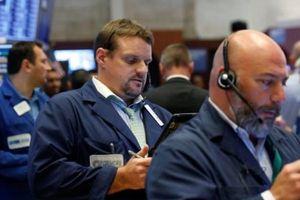 Mặc chiến tranh thương mại, chứng khoán Mỹ vẫn tăng điểm