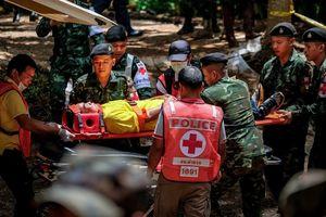 Tận mắt chứng kiến mức độ khó nhằn với đội cứu hộ giải cứu đội bóng Thái Lan