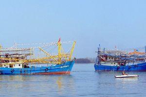Tháo gỡ vướng mắc cho 'tàu cá 67' vươn khơi