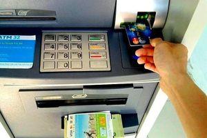 Ngân hàng lại tăng phí ATM nội mạng