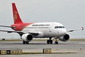 Máy bay Boeing 737 của Trung Quốc hạ cánh khẩn cấp do thiếu nhiên liệu