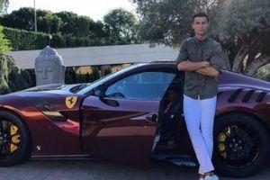 Dàn siêu xe của Messi, CR7 'chưa là gì' so với một cầu thủ châu Phi