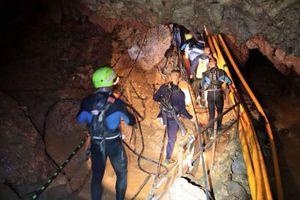 5 người Thái Lan ở hang ngập nước có thể không cứu hết trong hôm nay