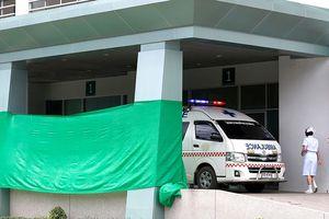 Rời hang Tham Luang, đội bóng nhí được chăm sóc ra sao?