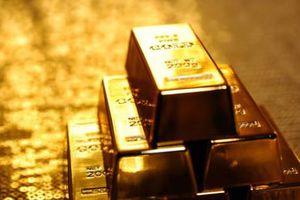 Giá vàng giảm nhẹ do đồng USD phục hồi