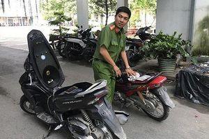 Thuê xe ôm chở đến đoạn đường vắng tấn công cướp tài sản
