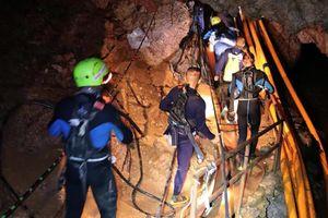 Toàn bộ đội bóng U-16 Thái Lan được giải cứu khỏi hang Tham Luang