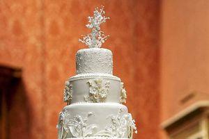 Bí mật bánh cưới Hoàng gia nhiều năm trôi qua vẫn... ngon lành