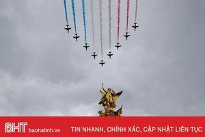 Ấn tượng màn biểu diễn của các phi đội bay trên bầu trời London