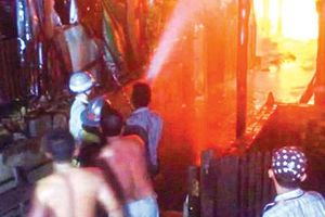 Cháy lớn ở Campuchia thiêu rụi nhà của hàng chục gia đình gốc Việt