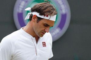 Clip: Bị loại sốc ở tứ kết Wimbledon, Federer quyết phục thù năm tới