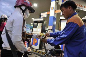 Thường vụ QH chưa chốt tăng thuế môi trường xăng, dầu