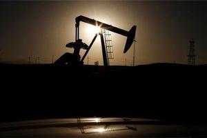 Giá dầu Brent sụt giảm mạnh nhất 2 năm vì cung tăng và rủi ro thương mại
