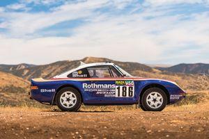 Xe cổ Porsche 959 Paris-Dakar có giá 3 triệu USD