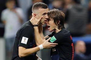 'Phép màu' Croatia: Sự tương phản khi Messi, Ronaldo, Neymar... đi tắm biển sớm