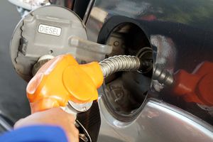 Chưa 'chốt' tăng thuế môi trường với xăng