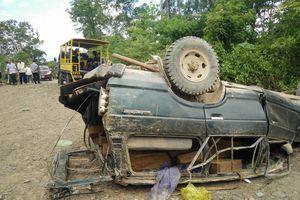 Lật xe chở gỗ 2 người chết: Tạm đình chỉ 4 cán bộ
