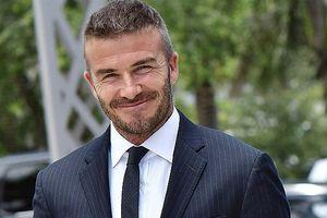 Vẻ điển trai và lịch lãm hút hồn của David Beckham ở tuổi tứ tuần