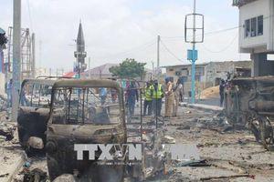 Bị cảnh sát bắn, xe ô tô phát nổ gần Phủ Tổng thống Somalia