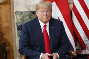 Tổng thống Donald Trump đến Phần Lan sớm trước cuộc gặp ông Vladimir Putin