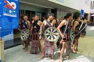 Triển lãm trưng bày trang phục truyền thống của đồng bào dân tộc thiểu số