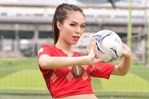 Top 5 Hoa hậu biển Việt Nam tin 'Quỷ đỏ' sẽ đánh bại 'Tam sư'