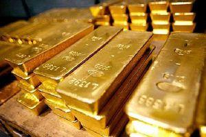 Giá vàng tiếp tục giảm trong bối cảnh đồng 'bạc xanh' tăng giá