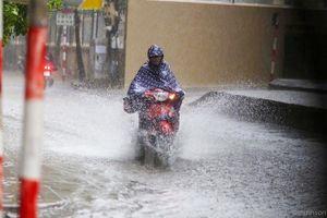 Thủ đô Hà Nội trong 4 ngày tới sẽ có mưa rất to và dông