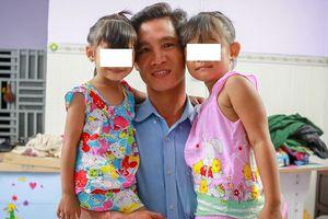 Vụ trao nhầm con ở Hà Nội: Ông bố Ba Vì tham vấn ông bố Bình Phước