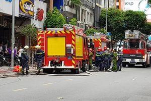 Tước giấy phép, phạt 2,5 triệu đồng chủ ôtô cản đường xe chữa cháy