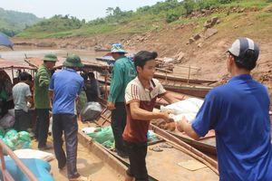 Lai Châu: Vùng rốn lũ Căn Co nhận trên 500 suất quà