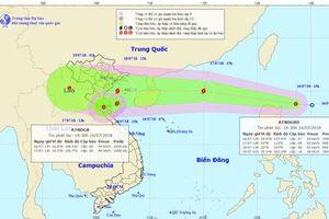 Áp thấp nhiệt đới áp sát các tỉnh Thanh Hóa - Hà Tĩnh