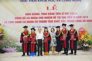 Học viện KHCN khen thưởng 2 giảng viên có hơn 10 công bố quốc tế ISI