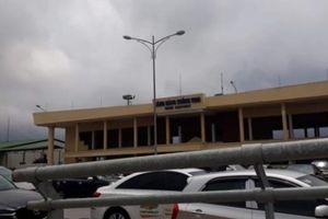 Lãnh đạo Cảng hàng không Vinh nói gì về máy bay nổ lốp đêm mưa?