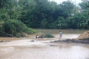 Thanh Hóa: Người dân quay cuồng do mưa lũ
